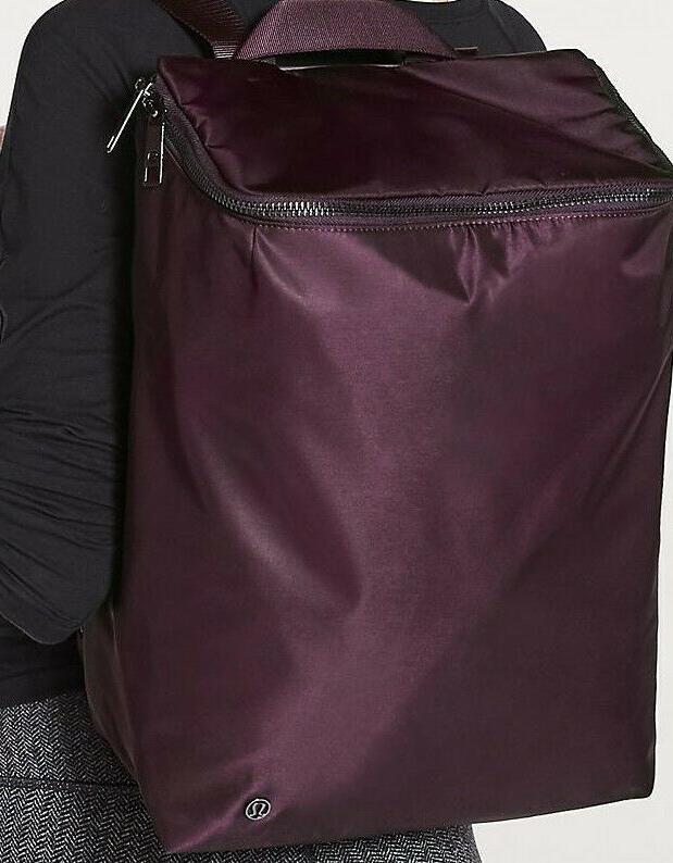 Lululemon Get Set Backpack 19L Women's Backpack fits laptop,