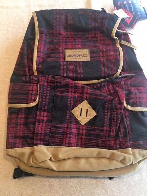 Dakine 21L Plaid BackPack & Pockets